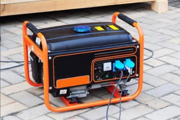 Rinktis benzininį ar dyzelinį elektros generatorių?