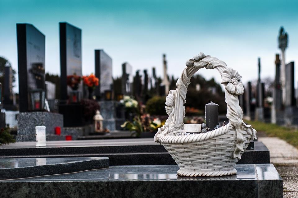 Tinkamai pasirinktos laidojimo paslaugos pagelbės sunkią valandą