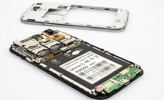 Telefonų dalių įvairovė gali suteikti daug papildomų funkcijų