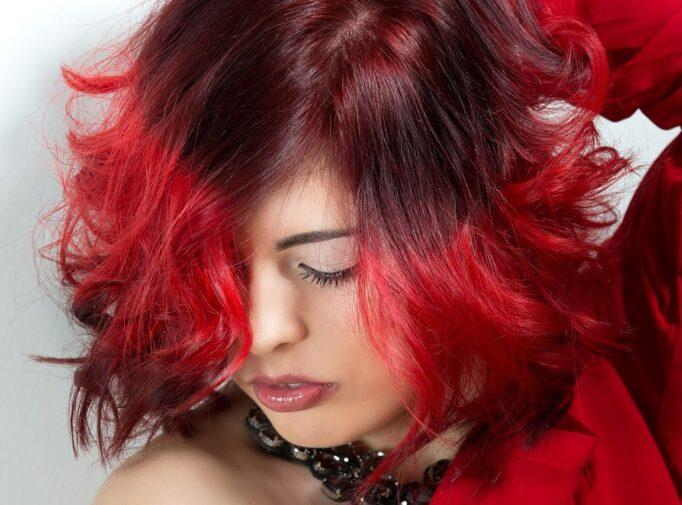 Keletas patarimų, kurie padės plaukus nusidažyti savo jėgomis