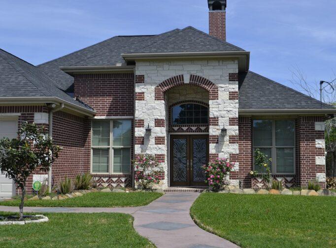 Kodėl klinkerio plytelės yra geras pasirinkimas namo fasadui?